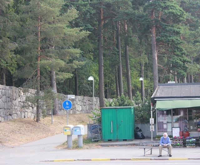 Skogskyrkogården-parkväg