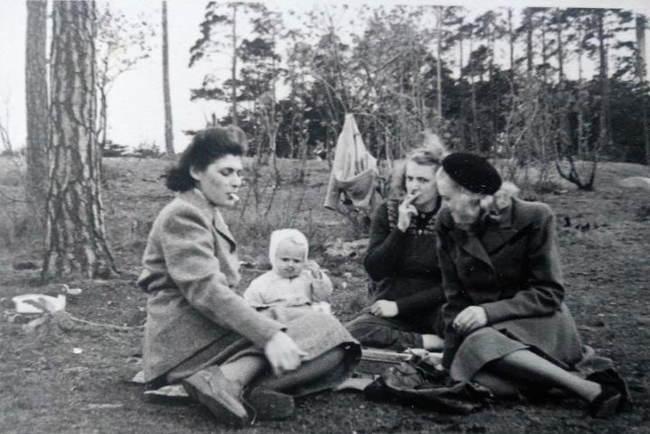 Lena-mostrar-EnskedeIP1948