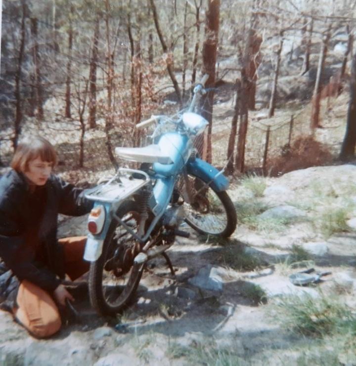 LG-Mats-moped